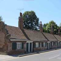 <p>John and Ann Smith Alm&#39;s Houses built 1657 for use of 4 old men and 4 old women of the parish. A bequest to give thanks for a son after over 20 childless years.</p>
